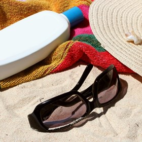 Top 15 Things To Bring To The Beach